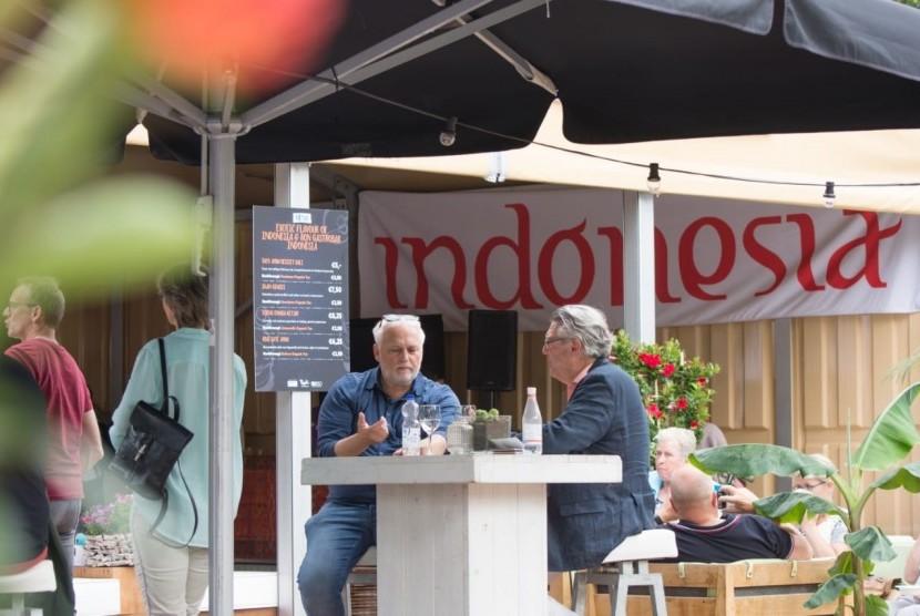 Suasana stan Indonesia di Taste of Amsterdam 2019. Empat masakan Indonesia turut disajikan di dalam festival masakan antar negara tersebut, Jumat (31/5). Festival tersebut digelar selama empat hari, 31 Mei - 3 Juni 2019.
