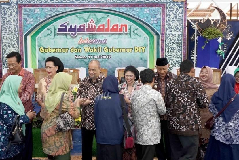 Syawalan Forkopimda, Pejabat dan Tokoh Masyarakat Kabupaten Sleman  di Pendopo Rumah Dinas Bupati Sleman, Selasa (11/6).