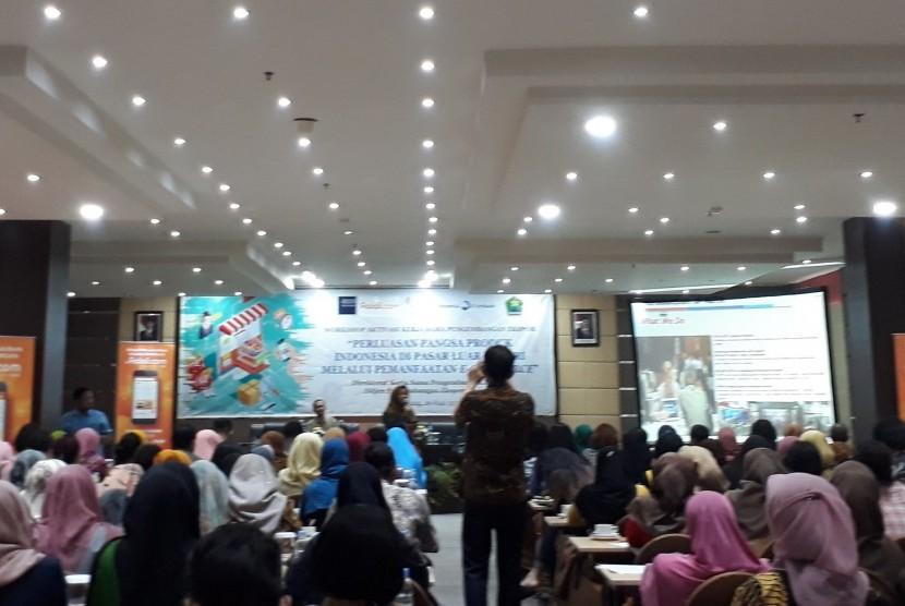 Kementerian Perdagangan (Kemendag) bersama sejumlah stakeholder mengadakan  'Seminar dan Workshop Perluasan Pangsa Produk Indonesia di Pasar Luar  Negeri melalui Pemanfaatan e-Commerce' di Hotel Aria Gajayana Kota Malang,  Rabu (19/6).