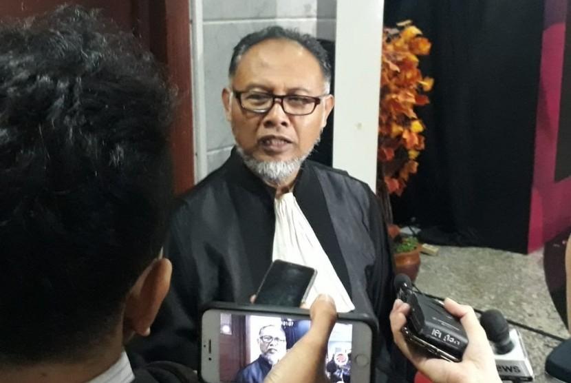 Ketua Tim Hukum Prabowo-Sandi, Bambang Widjojanto (BW) di Gedung Mahkamah Konstitusi (MK), Kamis (20/6) pagi.