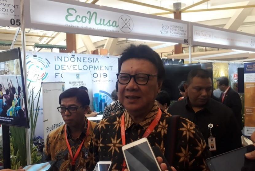 Menteri Dalam Negeri Tjahjo Kumolo saat ditemui wartawan di Jakarta Convention Center, Senayan, Jakarta, Senin (22/7).