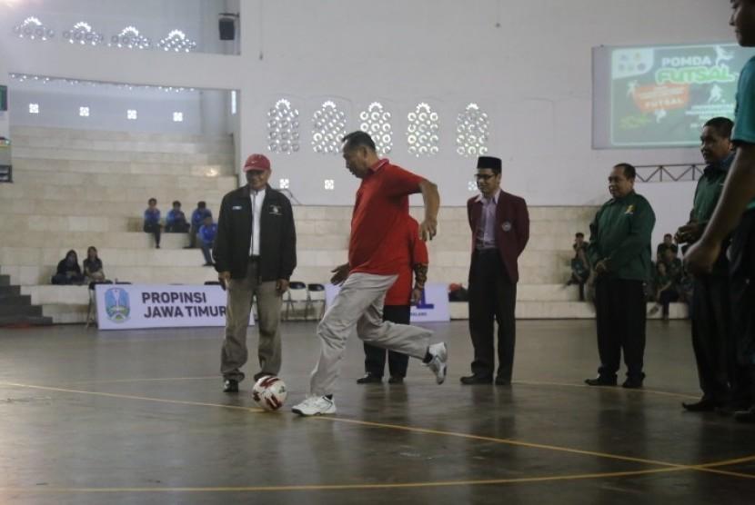 Pelaksanaan Pekan Olahraga Mahasiswa Daerah (POMDA) Futsal Regional Jawa Timur di Universitas Muhammadiyah Malang (UMM), Senin (22/7).