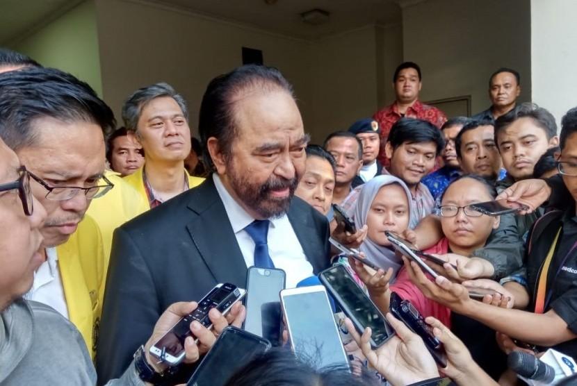Ketua Umum Partai Nasdem Surya Paloh usai menjadi pembicara dalam kuliah umum di Fakultas Kedokteran Universitas Indonesia, Salemba, Jakarta, Rabu (14/8).