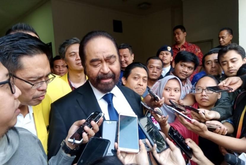 Ketua Umum Partai Nasdem, Surya Paloh usai menjadi pembicara dalam kuliah umum di Fakultas Kedokteran Universitas Indonesia, Salemba, Jakarta, Rabu (14/8).