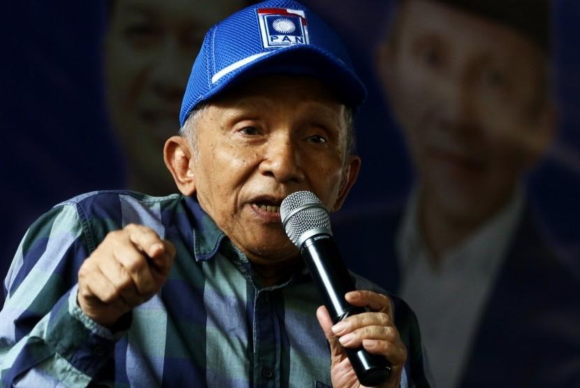 Ketua Dewan Kehormatan PAN Amien Rais memberikan sambutan saat menghadiri perayaan HUT ke-21 PAN di Pluit, Jakarta, Jumat (23/8/2019).