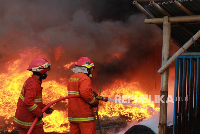 Kebakaran Besar Terjadi di New Delhi