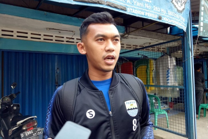 Pemain Persib Bandung, Abdul Aziz di Stadion Sidolig, Kota Bandung, Ahad (6/10).