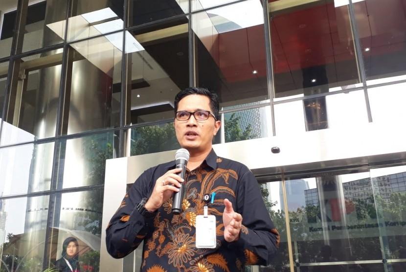 Kabiro Humas Komisi Pemberantasan Korupsi (KPK) Febri Diansyah saat menyampaikan pernyataan  resmi pamit dari jabatannya sebagai Juru Bicara, Kamis (26/12), Gedung Merah Putih KPK Jakarta