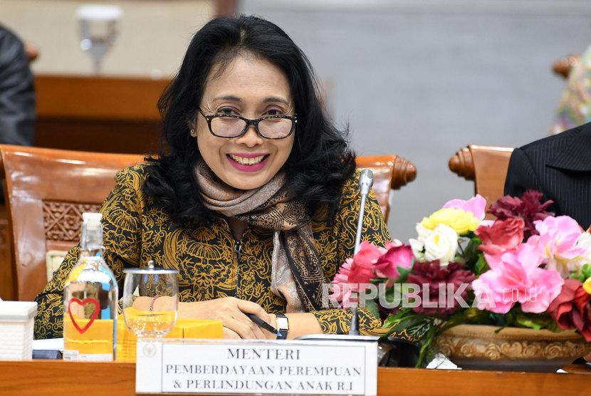 Sukabumi Raih Anugerah Parahita Ekapraya Kategori Utama. Menteri Pemberdayaan Perempuan dan Perlindungan Anak I Gusti Ayu Bintang Darmawati