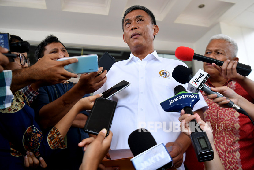 Ketua DPRD DKI Jakarta Prasetyo Edi Marsudi menolak rencana Pemprov DKI menjual kepemilikan saham 26,25 persen di PT Delta Djakarta.