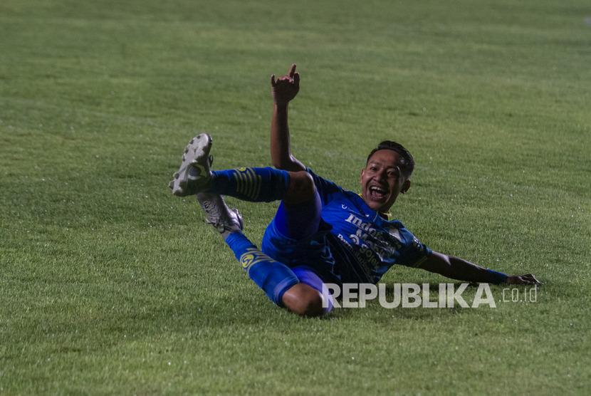 Pemain Persib Bandung pencetak gol balasan ke gawang Bali United,Beckham Putra.