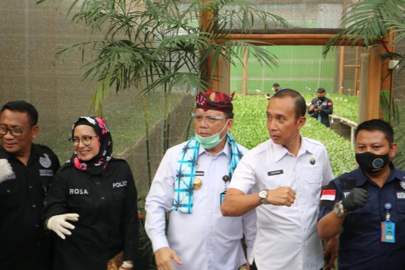 Direktur Jenderal (Dirjen) Pemasyarakatan, Kemenkumham RI,Komjen Pol Reynhard SP Silitonga (tengah).