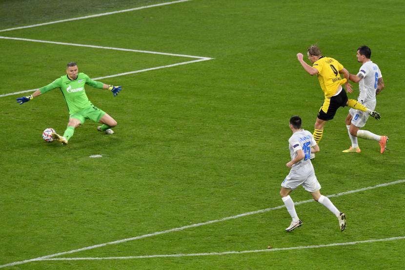 Diawali Gol Penalti Borussia Dortmund Menang 2 0 Atas Zenit Republika Online
