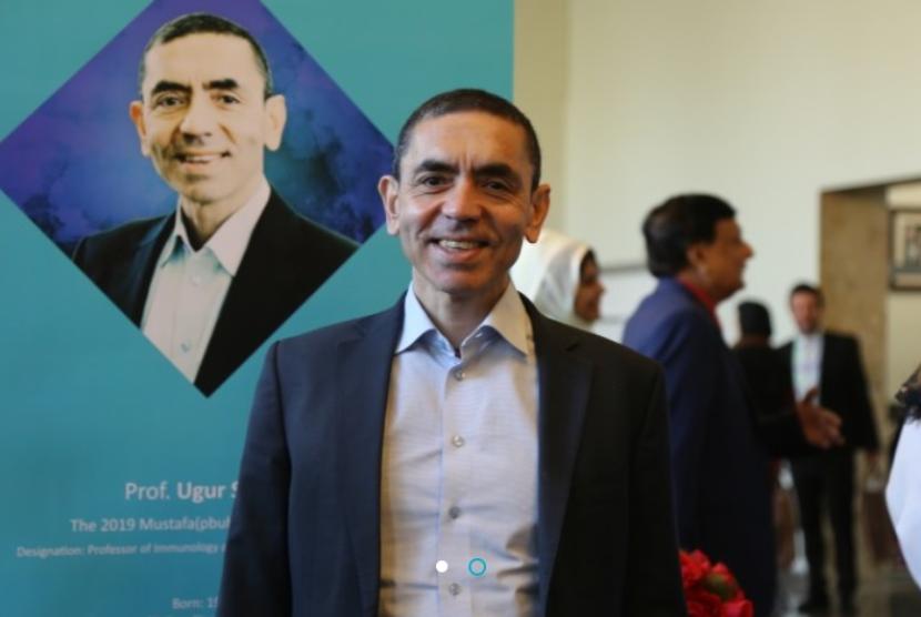 CEO BioNTech Ugur Sahin selepas menerima penghargaan Mustafa Prize pada 2019.