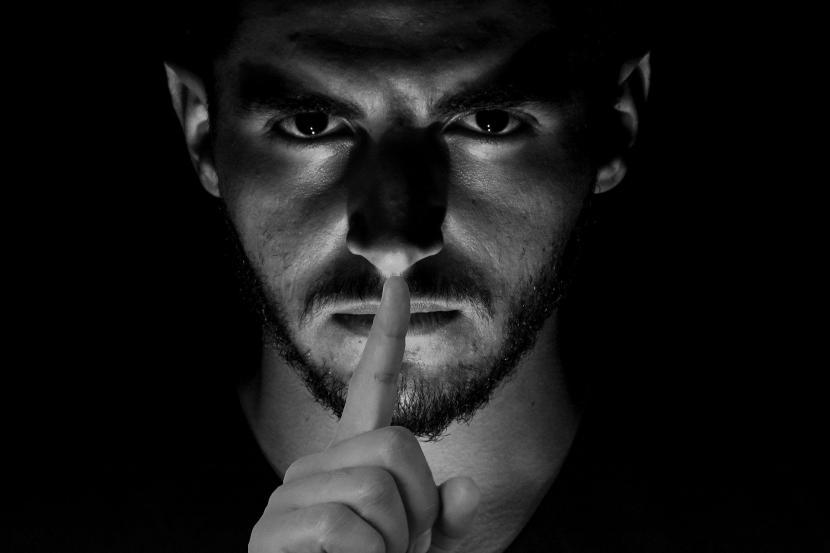 Sikap Diam Dalam Beberapa Hal Mempunyai Keutamaan Menurut Islam