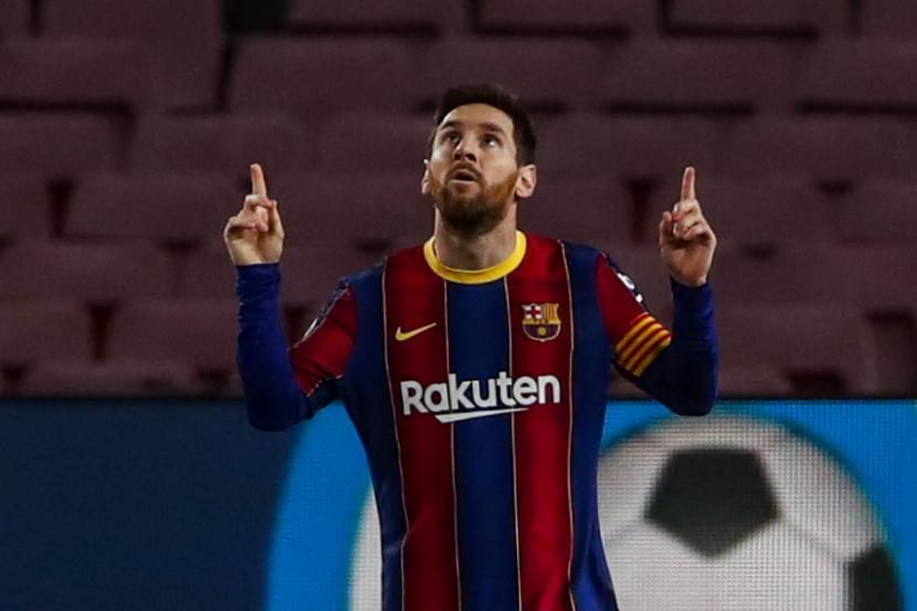 Messi Cetak Sejarah, Kedua Terbanyak Peroleh Trofi. Pemain Barcelona Lionel Messi merayakan setelah mencetak gol pembuka selama pertandingan sepak bola La Liga Spanyol antara FC Barcelona dan Elche di stadion Camp Nou di Barcelona, ??Spanyol, Rabu, 24 Februari 2021.