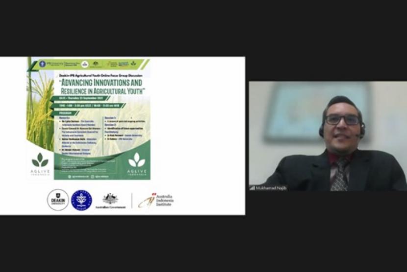 Atase Pendidikan dan Kebudayaan (Atdikbud) KBRI Canberra, Australia, Mukhamad Najib memberi pemaparan dalam Agricultural Youth Online Focus Group Discussion yang diadakan oleh Deakin University bekerja sama dengan Institut Pertanian Bogor (IPB) pada Kamis (23/9).