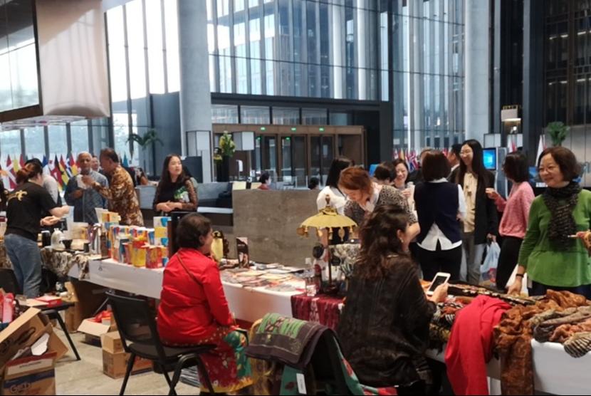 Lima perusahaan Indonesia turut berpartisipasi dalam kegiatan dengan membuka gerai di acara ini.