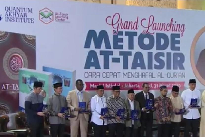 Acara Grand Launching Metode At-Taisir cara cepat menghafal Al-Qur'an di Masjid Istiqlal, Jakarta, Minggu (31/3).
