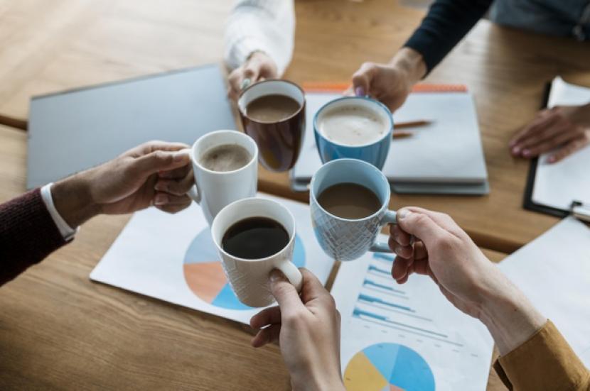 Ahli sarankan hindari mencuci cangkir kopi di kantor.