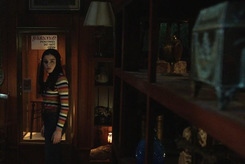Adegan dalam Annabelle Comes Home.