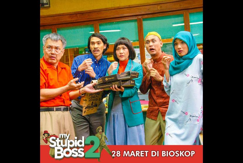 Adegan film my stupid boss 2 yang akan tayang 28 Maret 2019 di bioskop seluruh Indonesia.