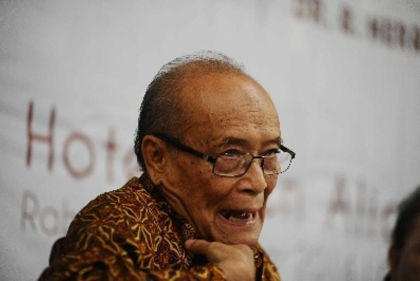 Ahmad Syafii Maarif.