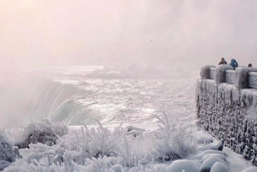 65 Gambar Air Terjun Niagara Beku Paling Keren