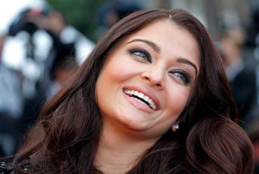 Aishwarya Rai Siap 'Comeback' ke Layar Lebar | Republika ...