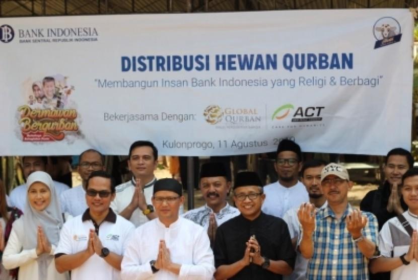 Aksi Cepat Tanggap (ACT) DIY turut mendistribusikan ratusan hewan kurban ke Kabupaten Kulonprogo.