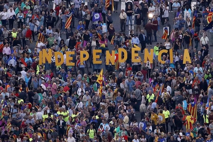 Aksi kelompok pro-kemerdekaan Katalunya di Barcelona, Spanyol, 29 September 2017.