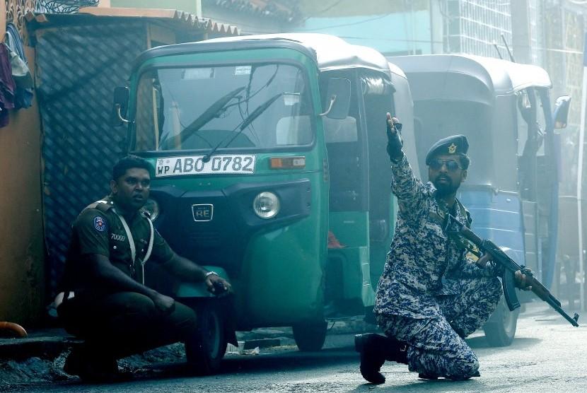 Aksi pasukan keamanan di Sri lanka pasca serangan bom sebuah mobil dekat Gereja St. Anthony Kochchikade, Kolombo, Sri Lanka
