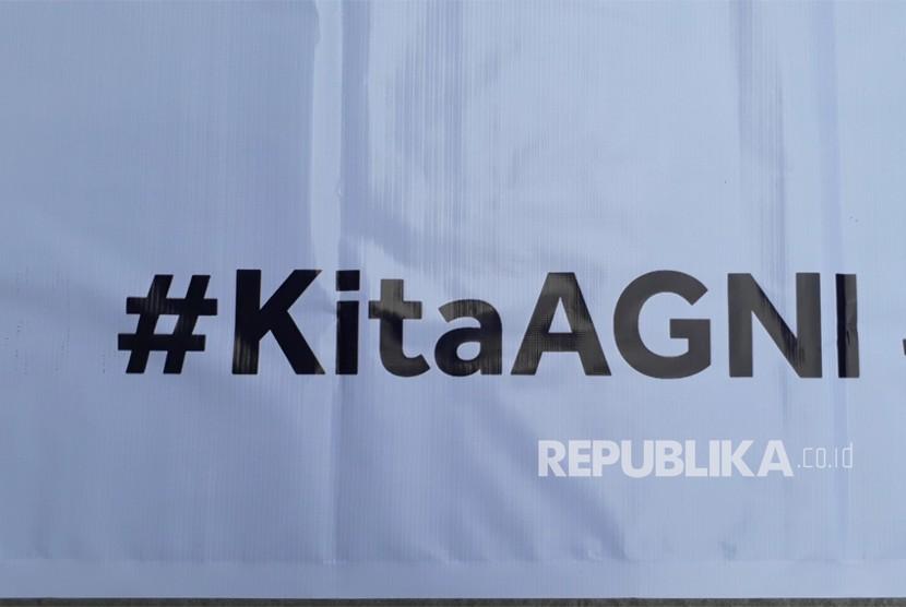 Aksi solidaritas mahasiswa-mahasiswa Universitas Gadjah Mada di  Taman Sansiro Fisipol UGM, Kamis (8/11) siang menuntut pengusutan kasus  perkosaan yang diduga terjadi tahun lalu dalam kegiatan KKN di Maluku.