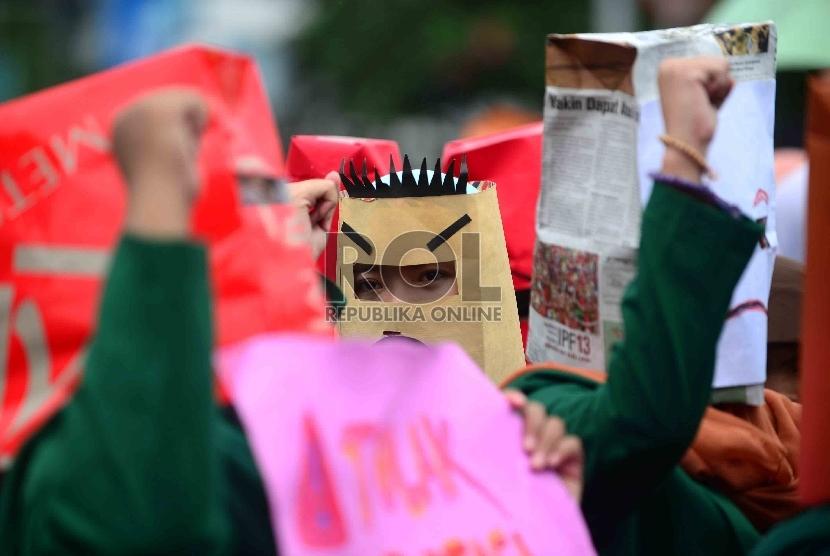 Aksi unjuk rasa menuntut hak rakyat.   (ilustrasi)
