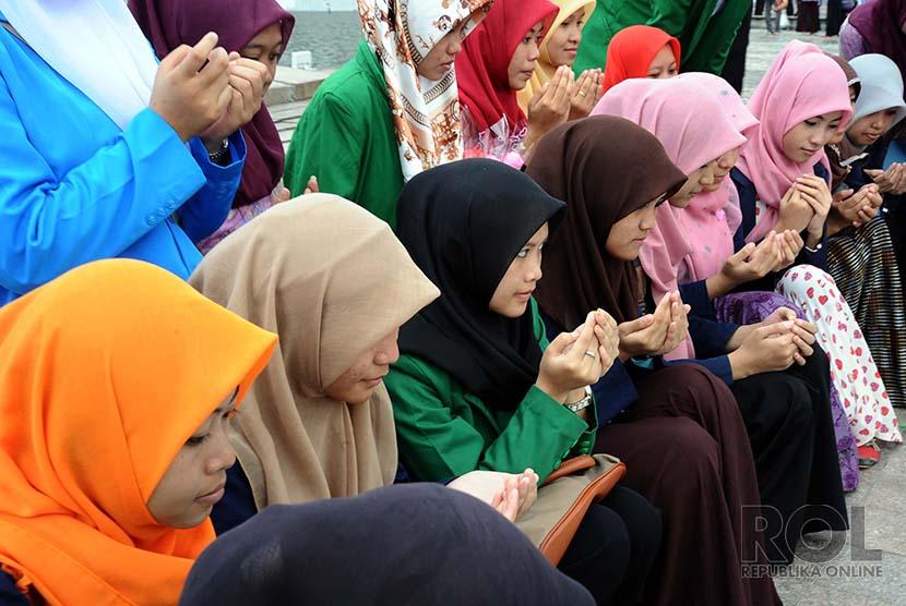 Ilustrasi mahasiswa Islam.