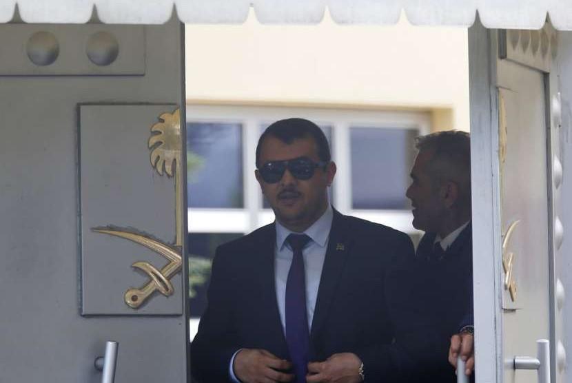 Aktivitas di Konsulat Arab Saudi di Istanbul, Turki, Senin (8/10), 2018.