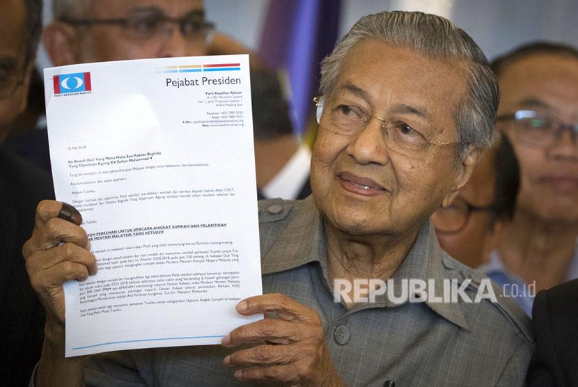 Aliansi partai oposisi yang dipimpin Mahathir Mohamad berhasil memenangkan pemilihan umum Malaysia, yang hasil resminya diumumkan pada Kamis (10/5).