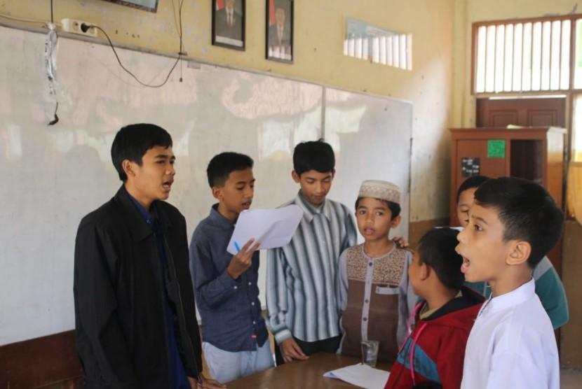 Alumni Perguruan Islam Ar Risalah aktif  membantu kegiatan adik-adik kelasnya.
