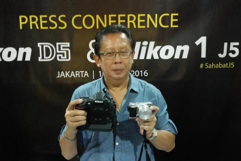 Ambassador Nikon, Johny Hendarta memperkenalkan Nikon D5 dan Nikon J5