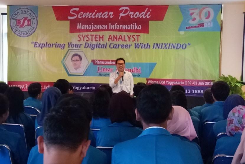 AMIK BSI Yogyakarta menggelar seminar karir dibidang teknologi informasi.