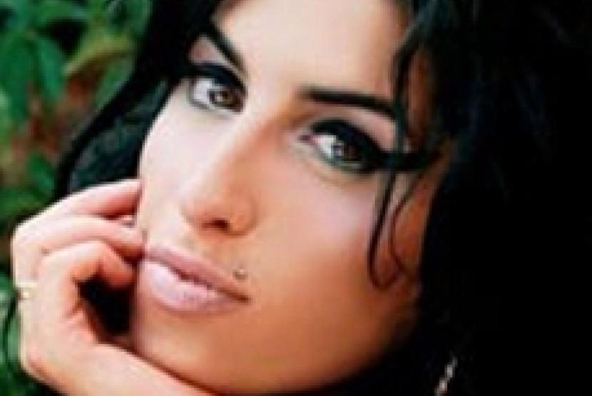 Kini Jelas Sudah Penyebab Meninggalnya Amy Winehouse Republika Online