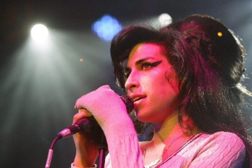Film Biografi Tak Bermaksud Singgung Keluarga Amy Winehouse Republika Online