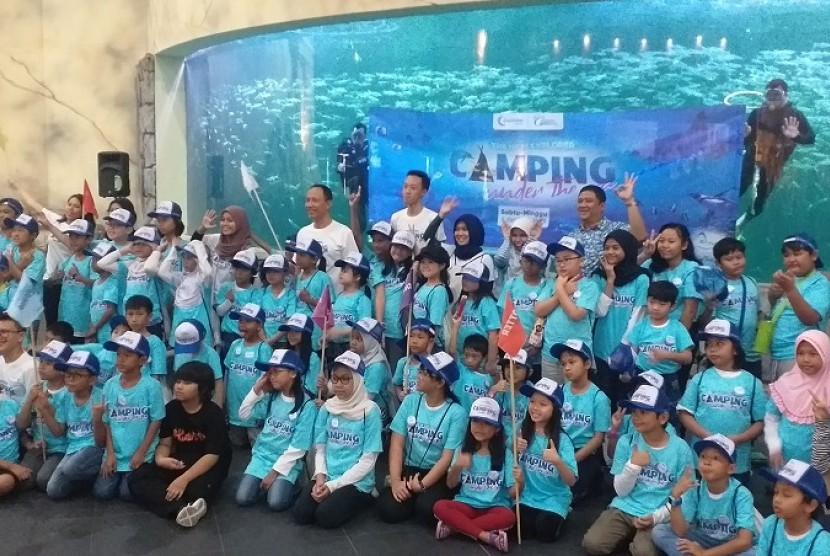 Anak-anak peserta Camping Under the Sea di Sea World.