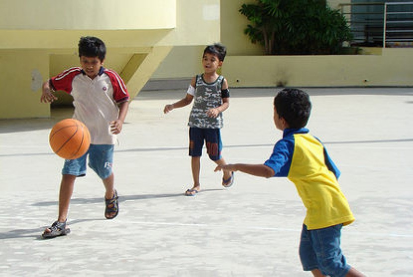 Anak dengan kecerdasan kinestetis tinggi bisa melahirkan olahragawan, ilmuwan, penulis, artis, penari dan tenaga kreatif lain yang memungkinkan otak dan tangan bergerak tanpa mengikuti format baku