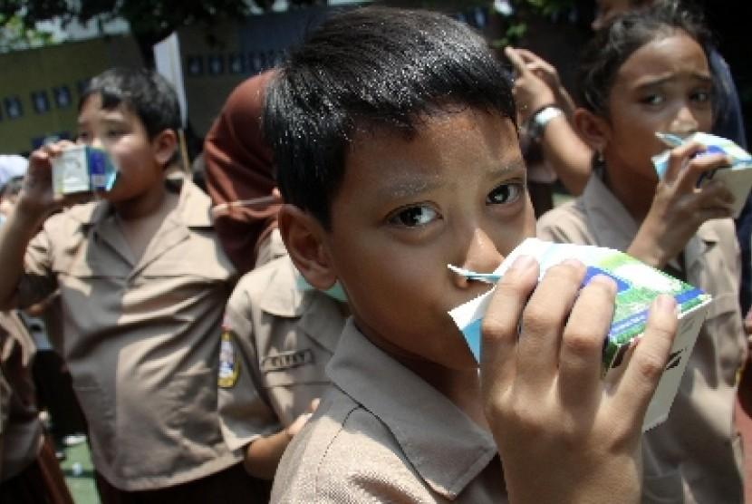 Minum Susu, Lebih Baik Sebelum Atau Sesudah Makan?
