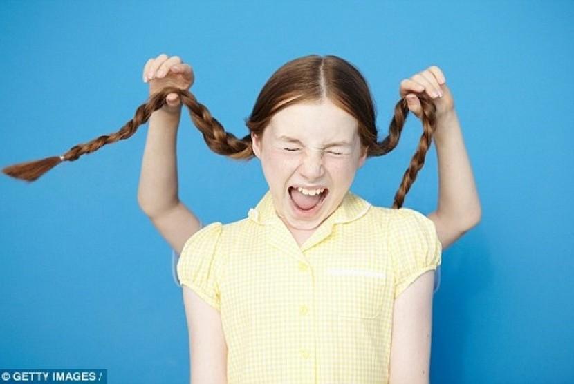 Anak perempuan stres. Ilustrasi