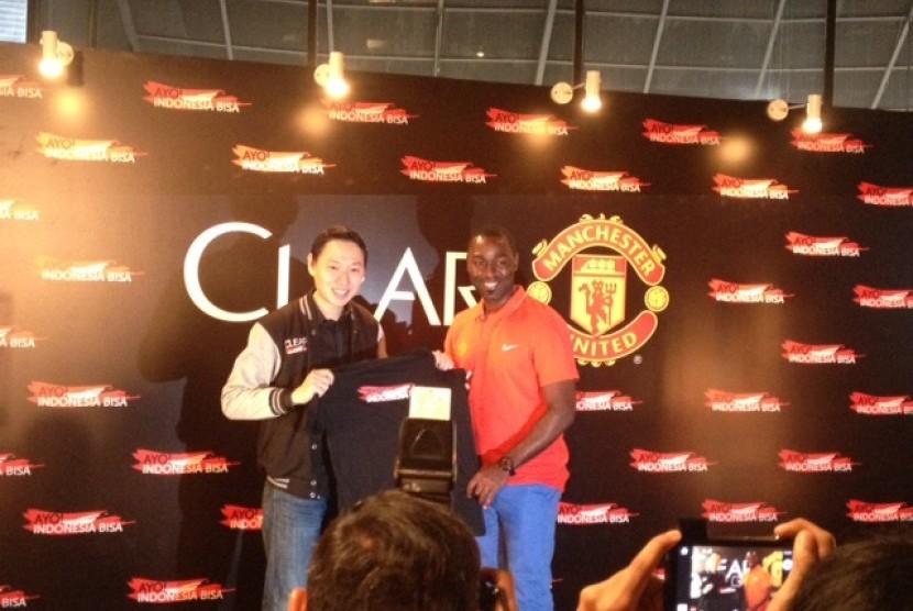 Andy Cole dalam jumpa pers Ayo! Indonesia Bisa Academy menuju Old Trafford
