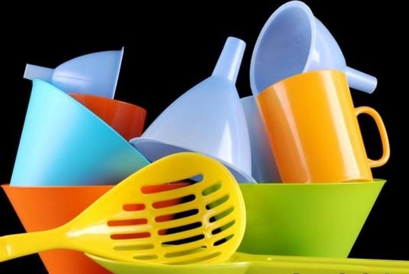 Aneka perlengkapan plastik (ilustrasi)