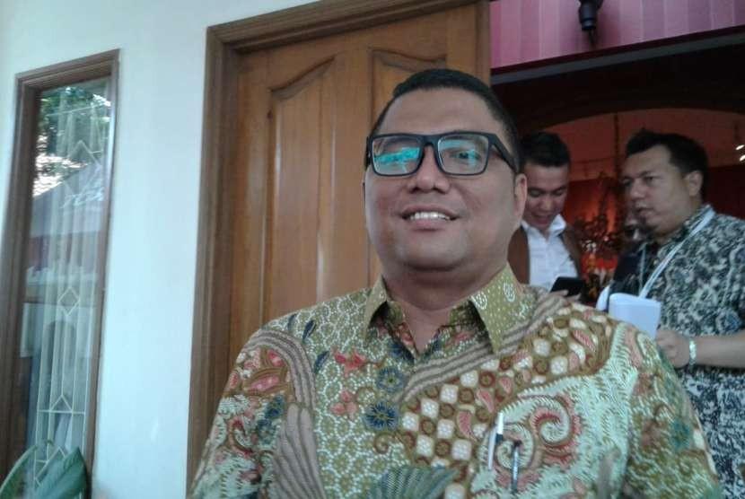 Anggota Bawaslu Fritz Siregar di Posko Cemara, Menteng, Jakarta Pusat, Selasa (18/9).