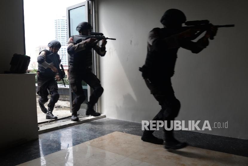 simulasi penanganan terorisme / Ilustrasi  (Republika/Yasin Habibi)